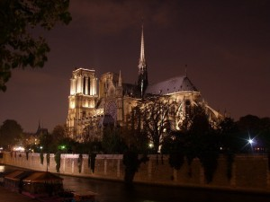 notre-dame-de-paris-wallpaper