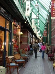 Flea market in Saint Ouen, excursion organized by ParisByM, Top 10 unusual places