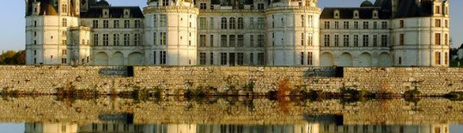Book ParisByM day trips from Paris to the Loire Valley. You will see the main castles: Chambord, Chenonceau, Azay Le Rideau and Villandry gardens. Chateau de Chambord, Paris tour packages, French DMC