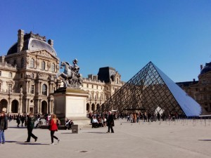 avoiding lines at paris monuments