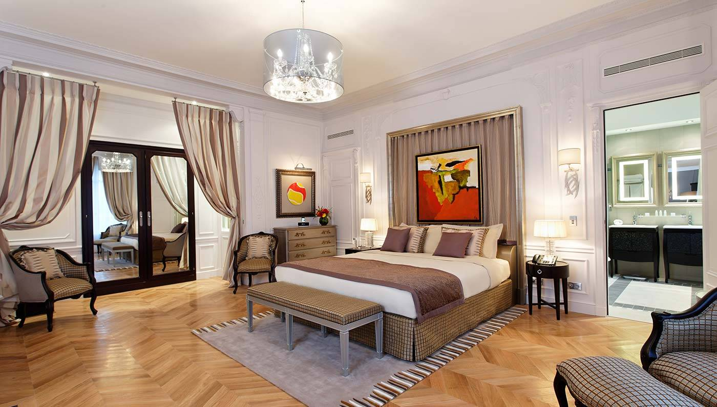 Small luxury hotels in paris parisbym for Small luxury hotel