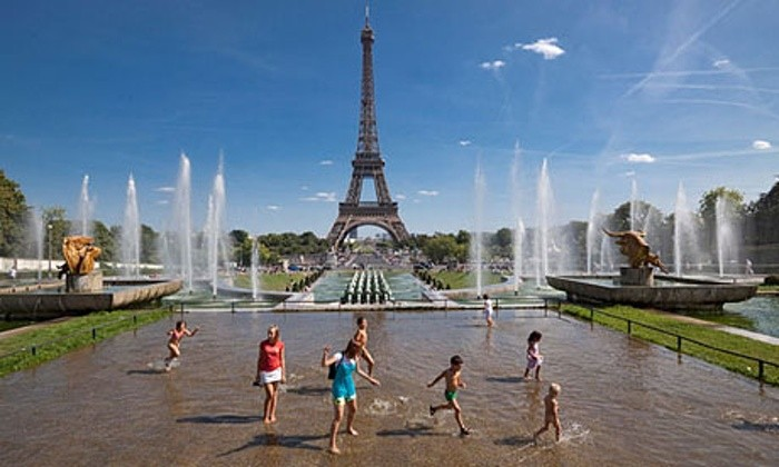 Trip to Paris with a package, Accommodations