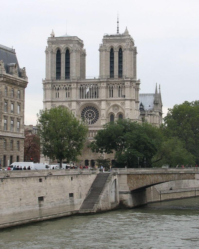 Boat trips in Paris