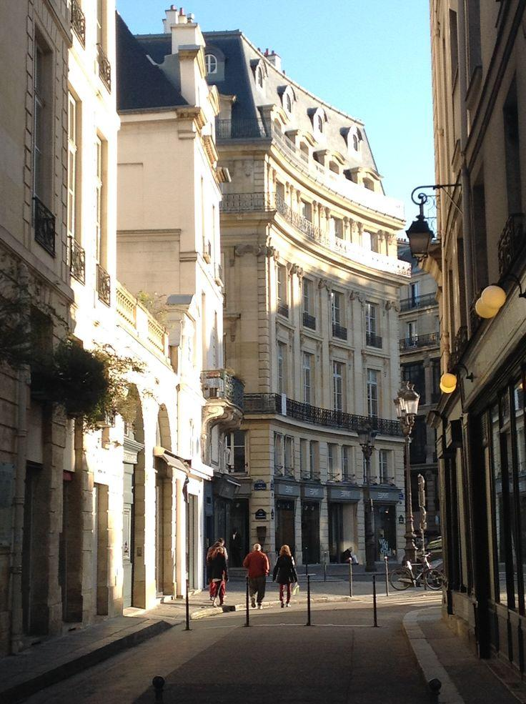 flaner, paris, strolling, sightseeing