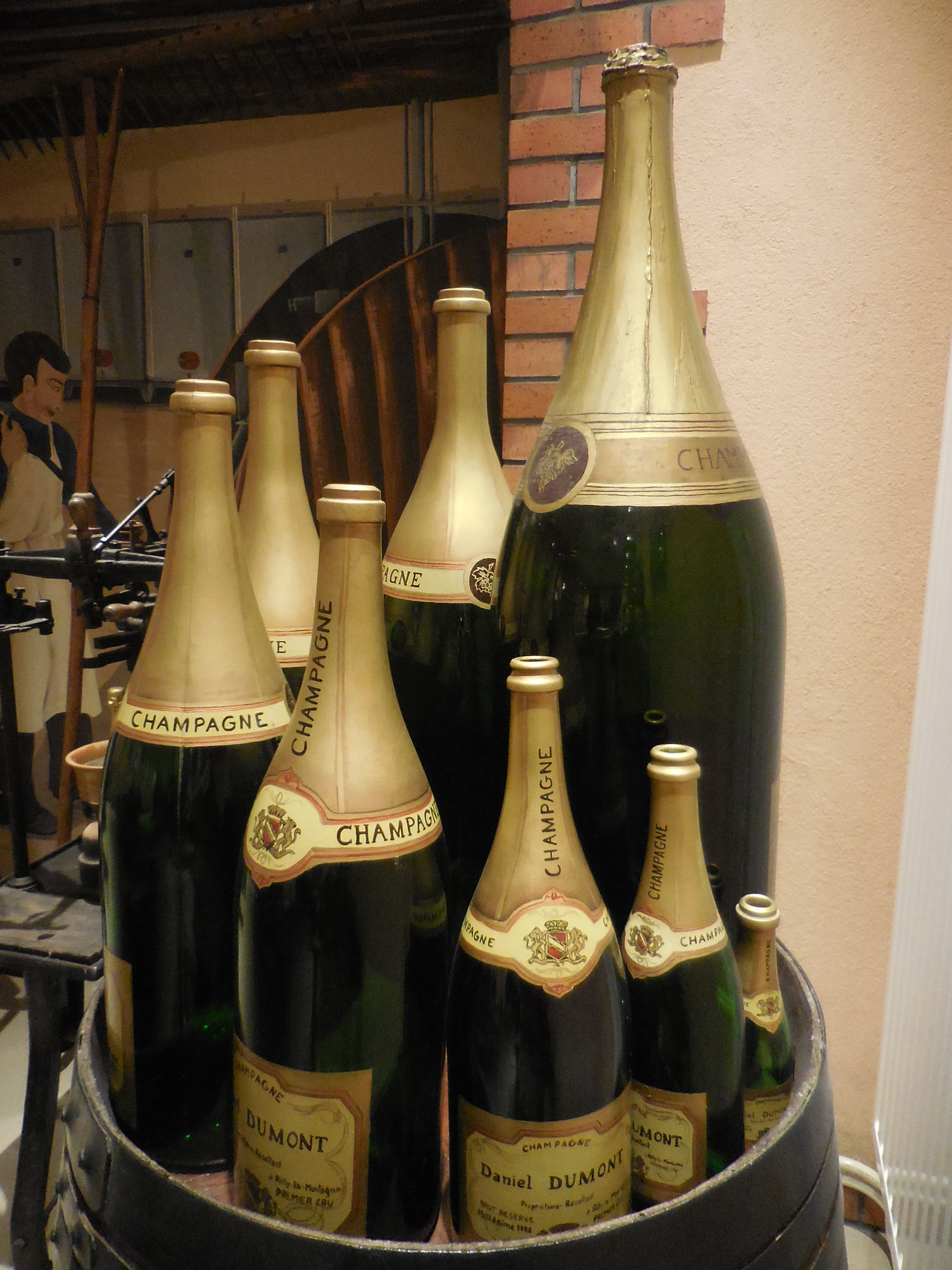 Bottle of champagne, tasting, small local producer, visit of a cellar