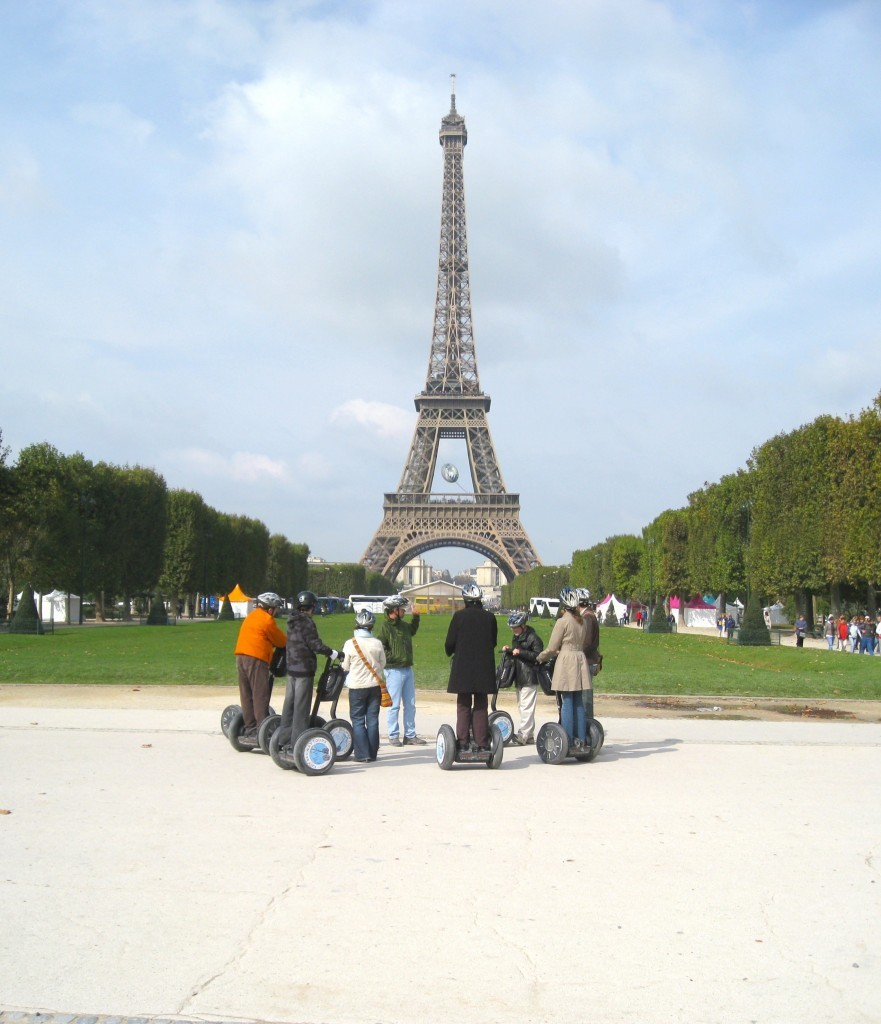Segway_Tours_at_the_Eiffel_Tower