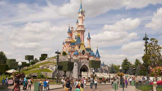 a quick guide to disney world in paris parisbym