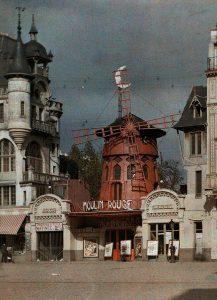 Cabaret Performance Moulin Rouge