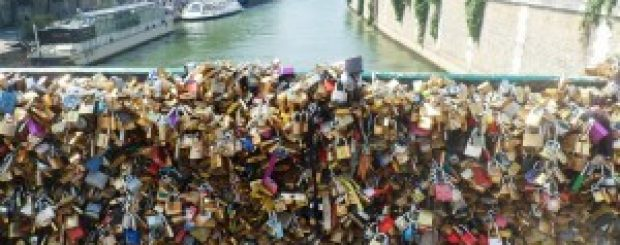 Love locks: Romanticism vs. Reality