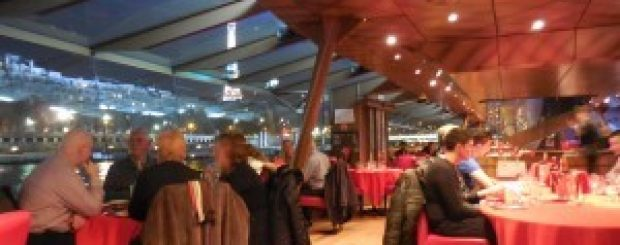 A dinner-cruise on the Bateaux Mouches