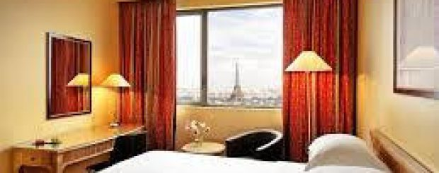What is a Paris All-Inclusive Package?