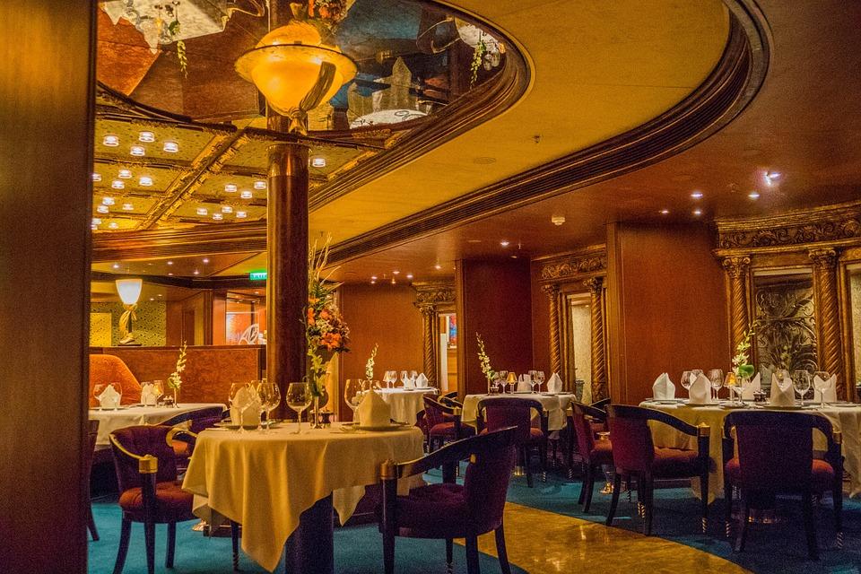 Romantic restaurants in paris parisbym for Best dining rooms paris