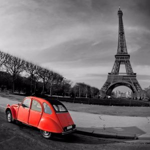 2 CV in front of the Eiffel Tower