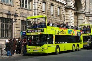 bus tour in Paris
