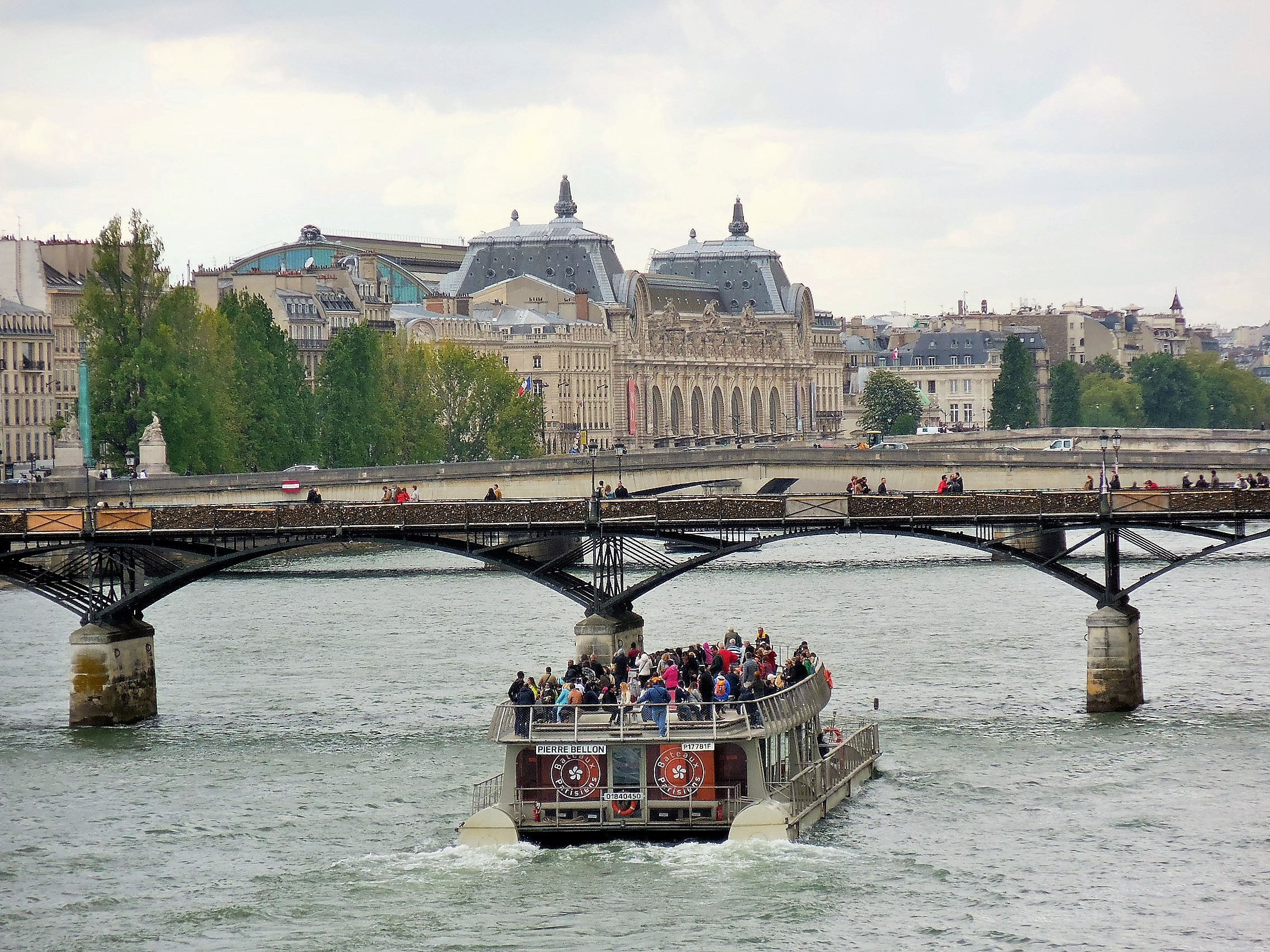 Seine river cruise, rive gauche area paris, best things to do in Paris at night