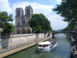 Paris off the beaten path, discovery cruise, River Seine