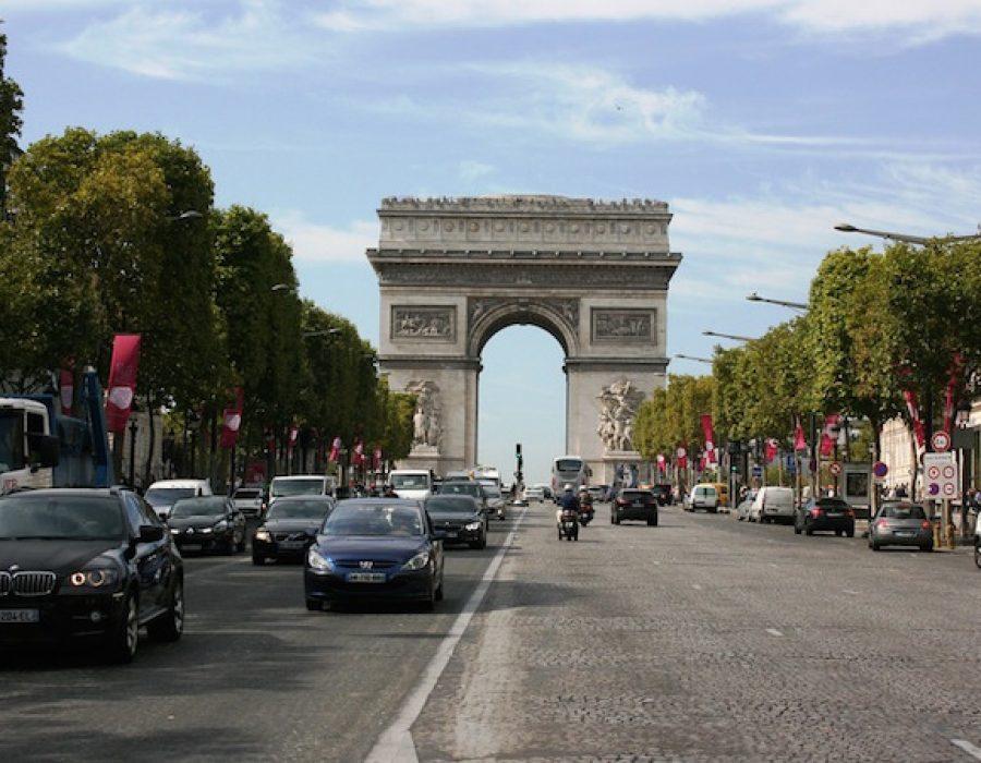 Arc de Triomphe, Avenue des Champs Elysées