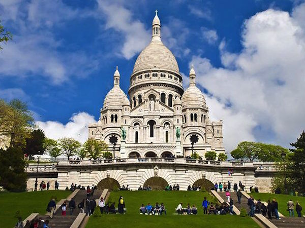 Montmartre, best neighborhood to stay in Paris