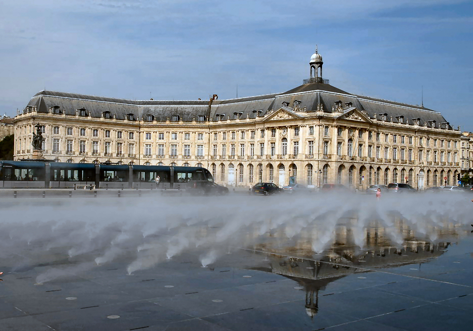 Bordeaux place de la Bourse France Itinerary, corporate trip ideas