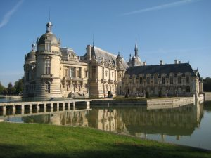 french castles, day trips from paris by train