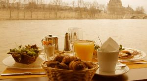 brunch spots in paris