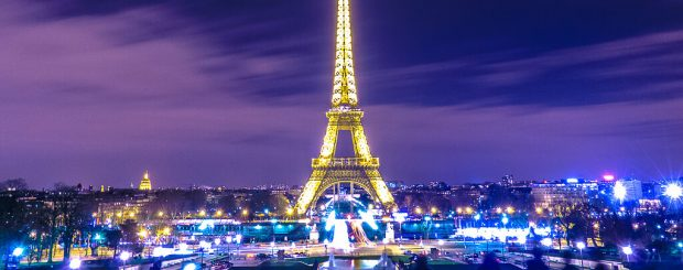 must do in paris by night